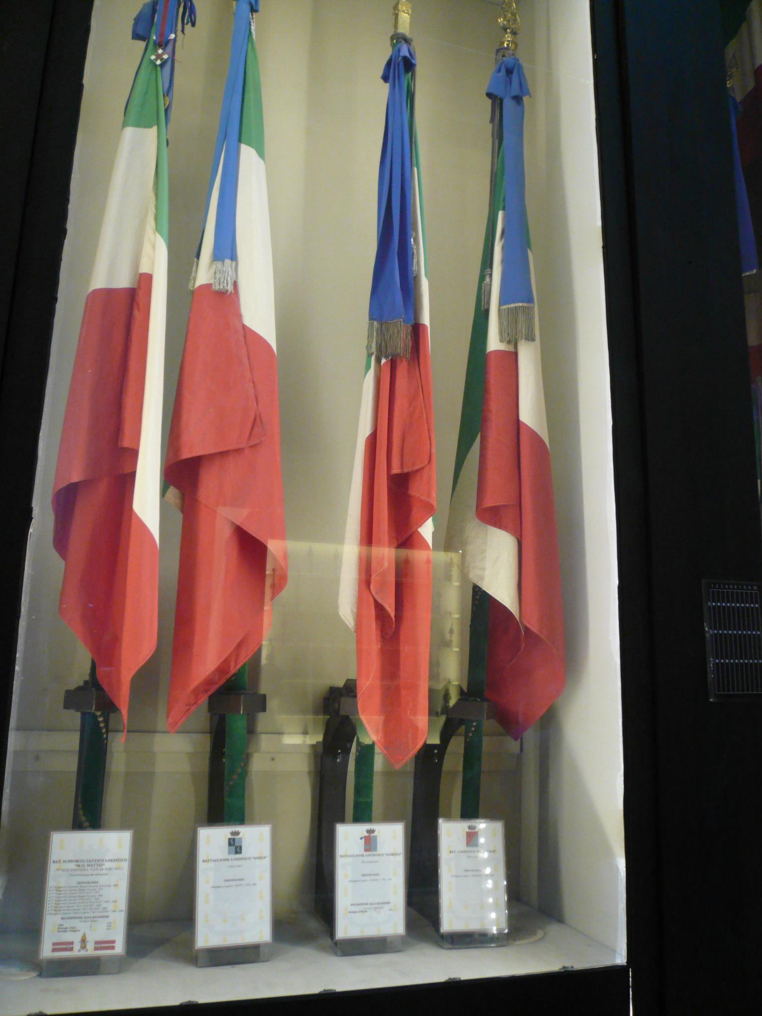 Gruppo battaglione logistico gorizia foto varie for Bandiera di guerra italiana